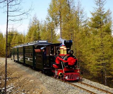 سيتشوان قينجبينج ذات المناظر الطبيعية الخلابة مسار القطار