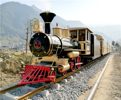 Sichuan Qingping Scenic Track sightseeing train