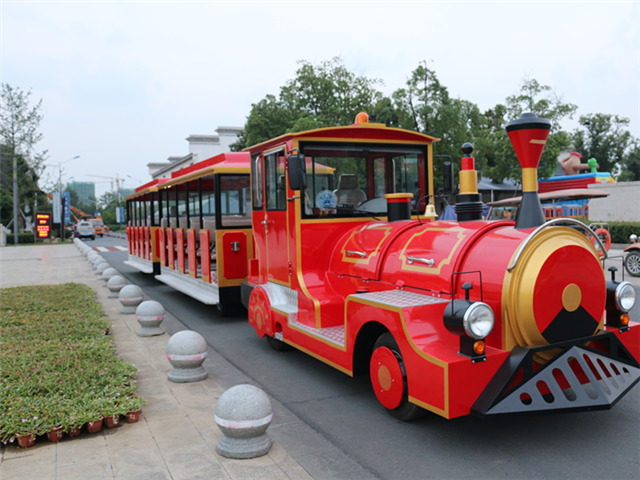 Choose Dising sightseeing train, protect the environment.